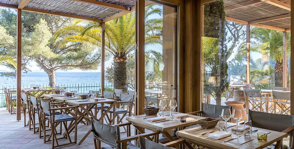 Choisissez l'un des restaurants pour une pause délicieuse à l'intérieur