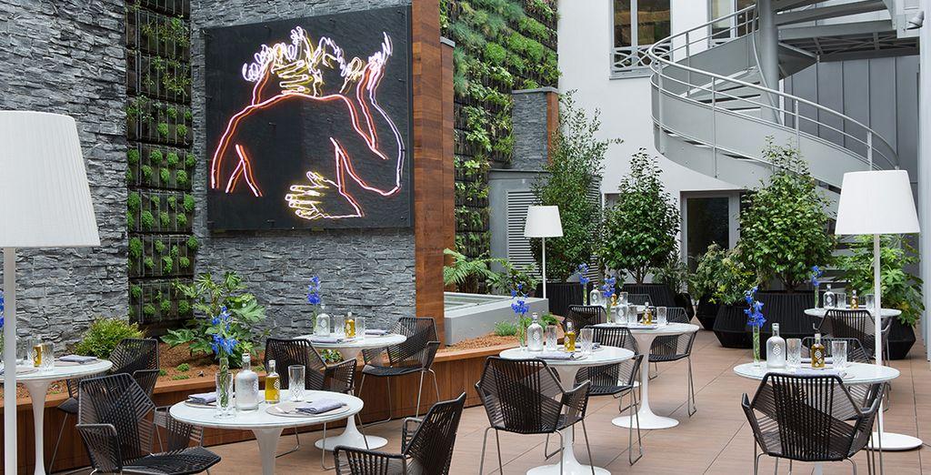 Avis renaissance paris r publique hotel 5 voyage priv for Recherche hotel paris