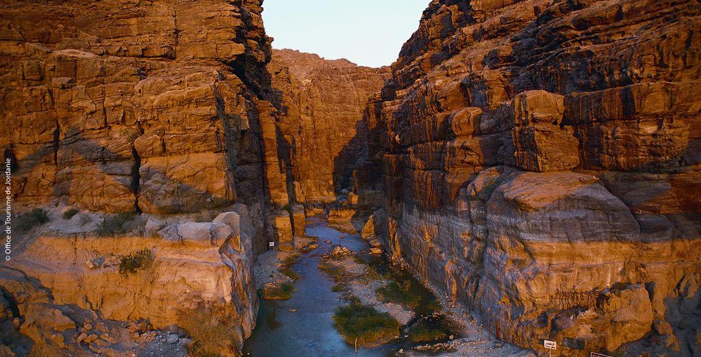 Ses hautes falaises et ses vallées sablonneuses...