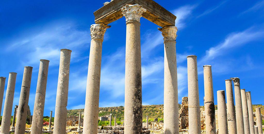 Laissez-vous tenter par les excursions en option au départ d'Antalya.