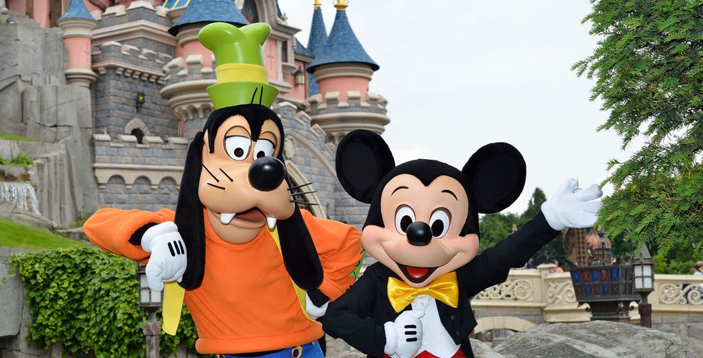 Mickey et ses amis n'attendent que vous !