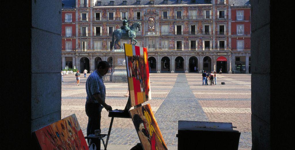 Et ne manquez pas la majestueuse Plaza Mayor