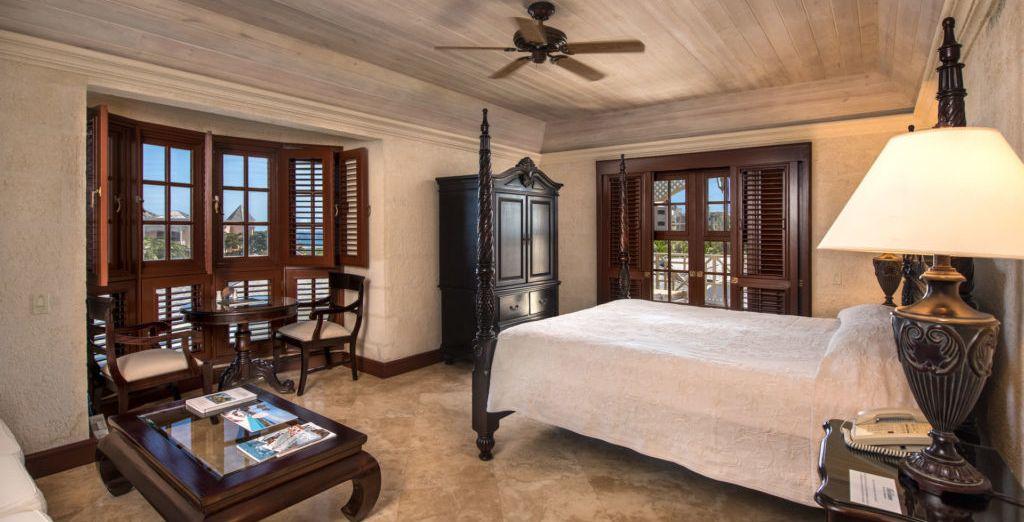 Pour un séjour en famille, préférez la Suite 2 Chambres avec piscine et vue mer