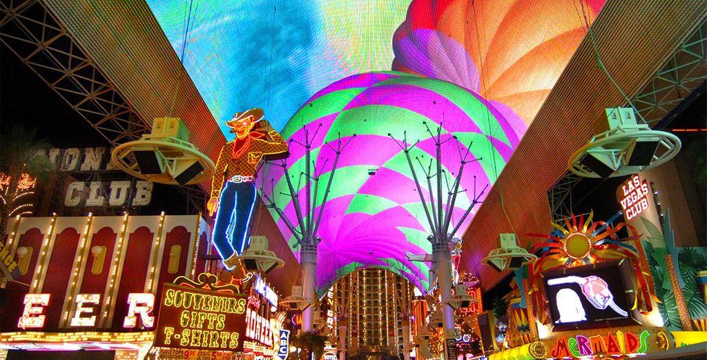 Vous ferez également un stop  dans la mythique Las Vegas pour en prendre plein la vue