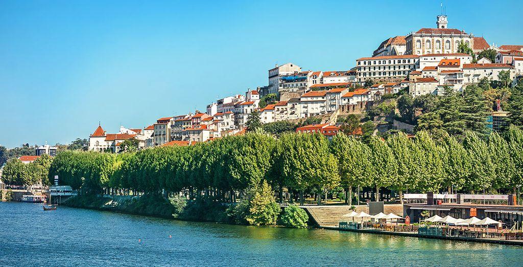 Vous visiterez des villes à la situation remarquable telle que Coimbra