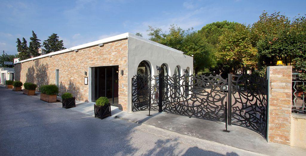 Passez le portail du NewHôtel Bompard - NewHôtel Bompard **** Marseille