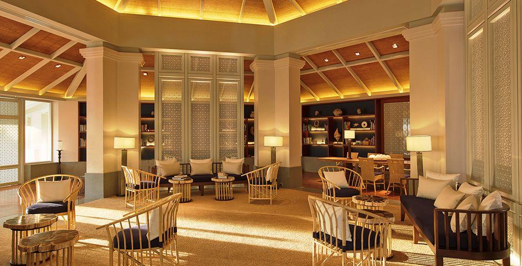 Vous aimerez aussi l'ambiance singulière de la bibliothèque de l'hotel, lieu idéal pour d'accorder une pause