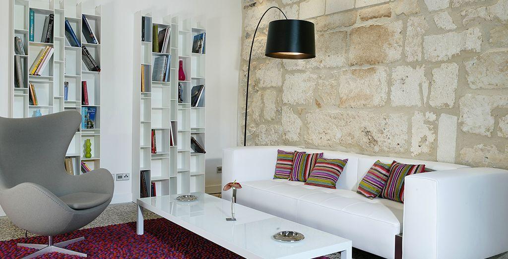 En fin de journée, après avoir visité la région, relaxez-vous dans le salon de lecture
