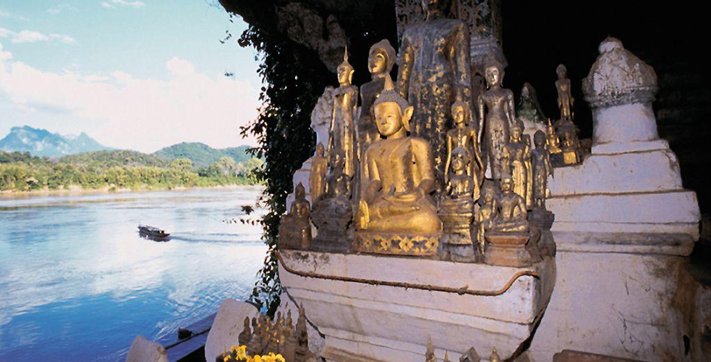 Ou les célèbres grottes de Pak Ou, recelant des milliers de statues de Bouddha
