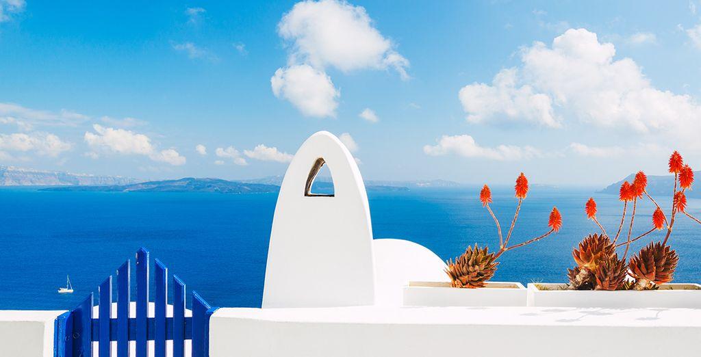 Vous n'aurez d'yeux que pour le bleu profond de la mer Egée...