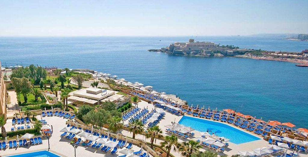 Bienvenue à Malte - Hôtel Corinthia St Georges Bay 5* St Julians