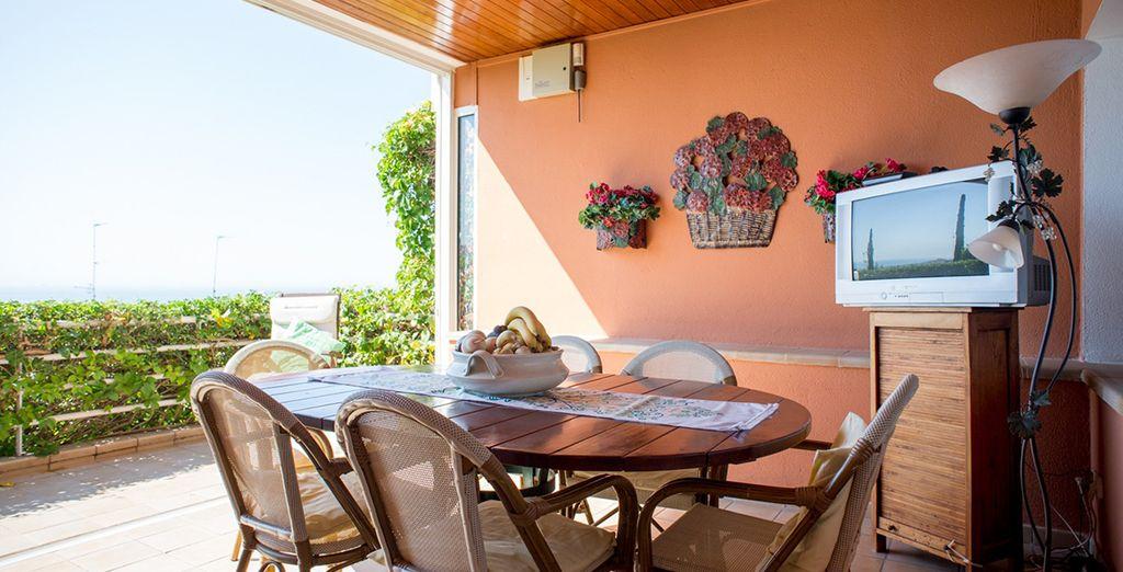 Une superbe terrasse pour profiter du beau temps