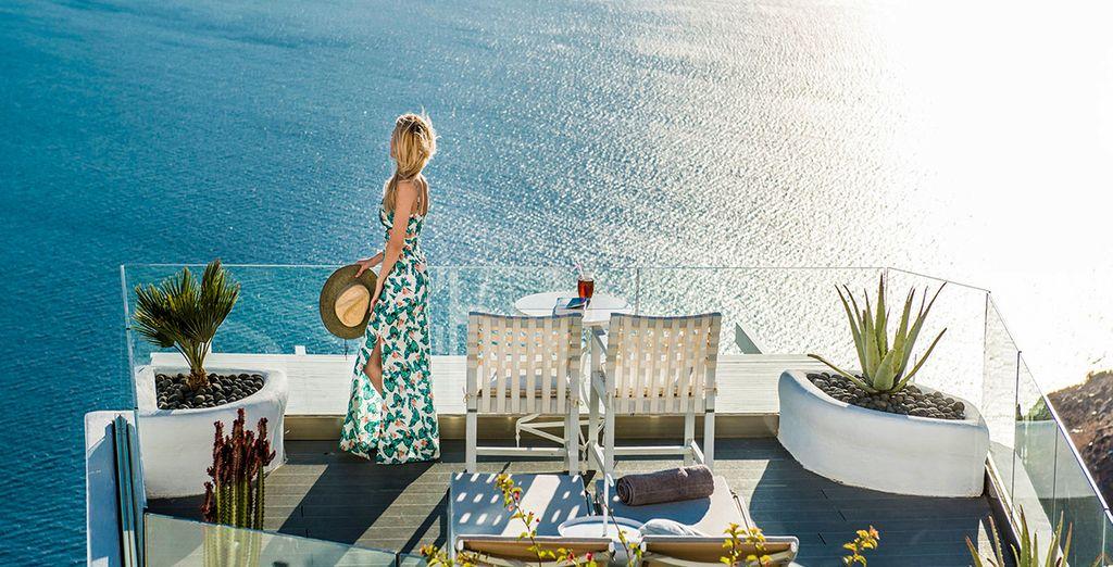 Profitez de la vue panoramique sur la mer Egée