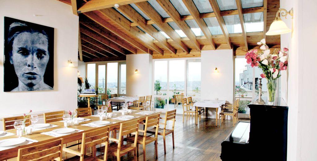 Prenotate un tavolo al ristorante Cachi per gustare le ottime specialità turche