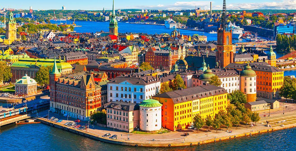 perciò non perdete l'occasione di visitare la variopinta capitale della Svezia,