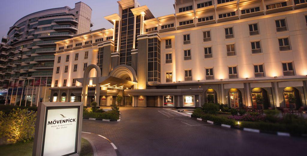 Soggiornerete al Movenpick Hotel & Apartments Bur Dubai 5*