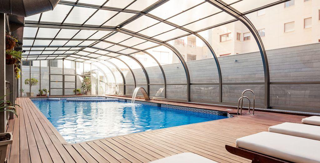 Hotel di lusso a 4 stelle con piscina esterna riscaldata, vicino a tutte le attività a Malaga, in Spagna