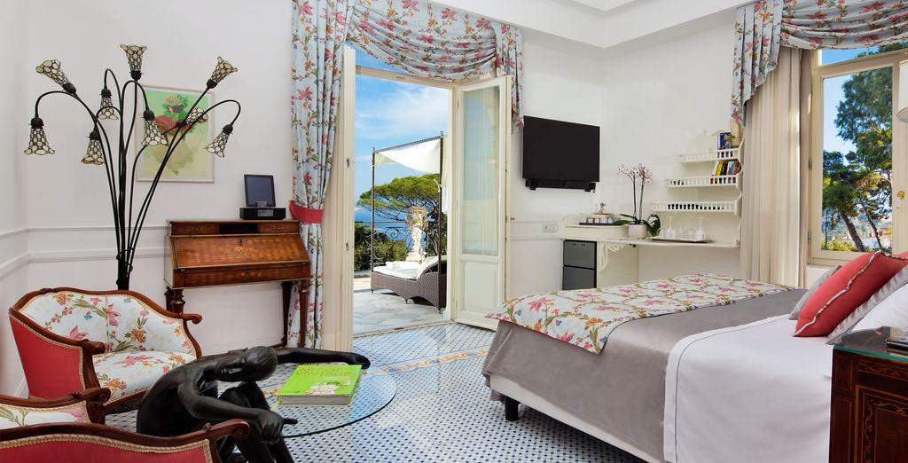 Lussuoso hotel 4 stelle in Italia con camere confortevoli con vista sugli splendidi paesaggi della Campania.