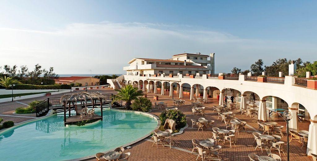 Golfo dell'Asinara Beach Resort 4*