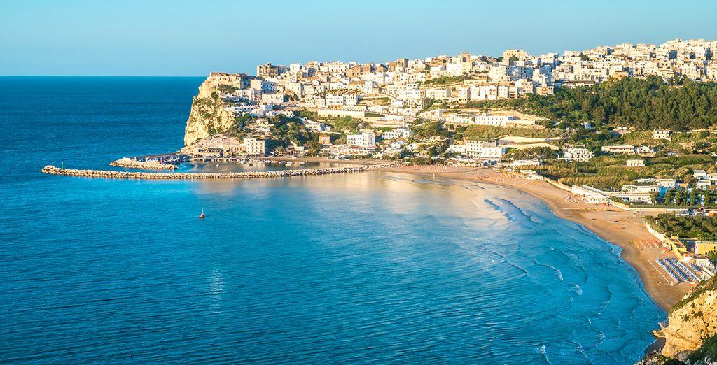 Fotografia della città di Bari e delle sue spiagge di sabbia fine