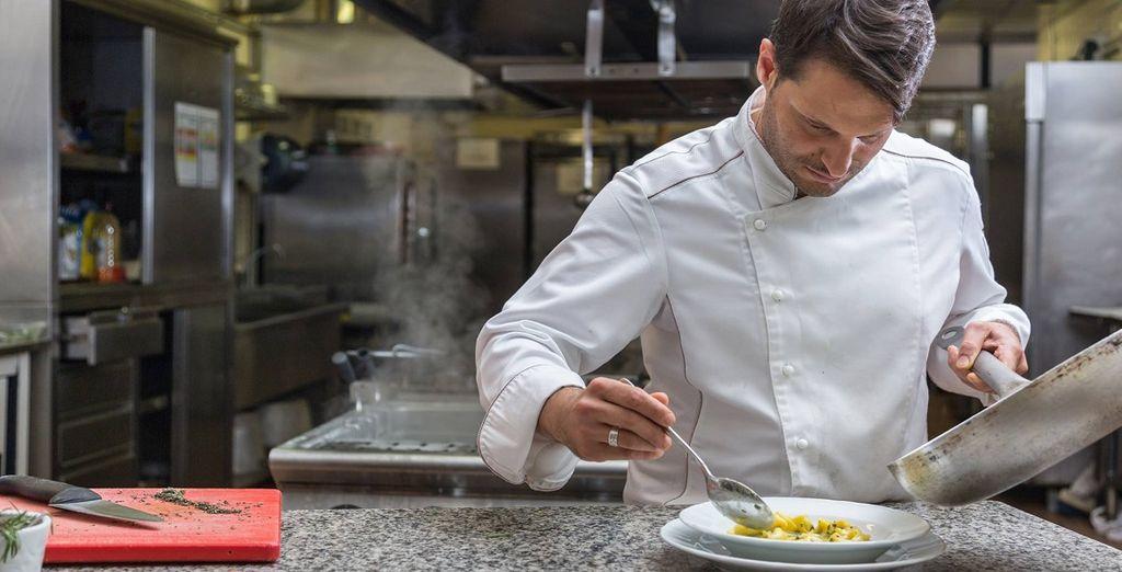 e lo chef vi delizierà con creazioni di cucina internazionale e locale