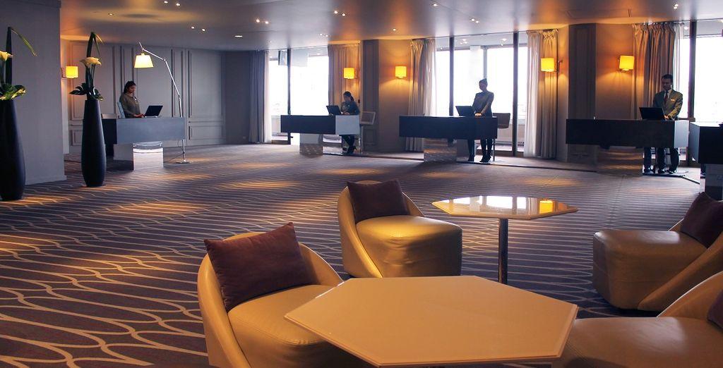Rilassatevi nella lobby moderna ed elegante