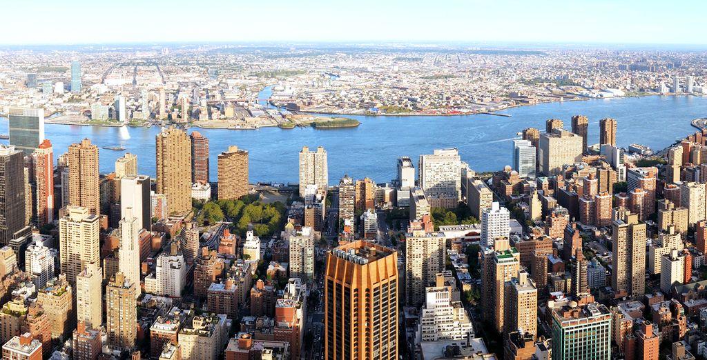 New York è sempre bella da visitare: di giorno offre numerose attrazioni turistiche e