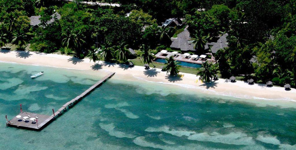 l'Hotel Princesse Bora Lodge vi accoglie direttamente affacciato su spiagge di sabbia bianchissima