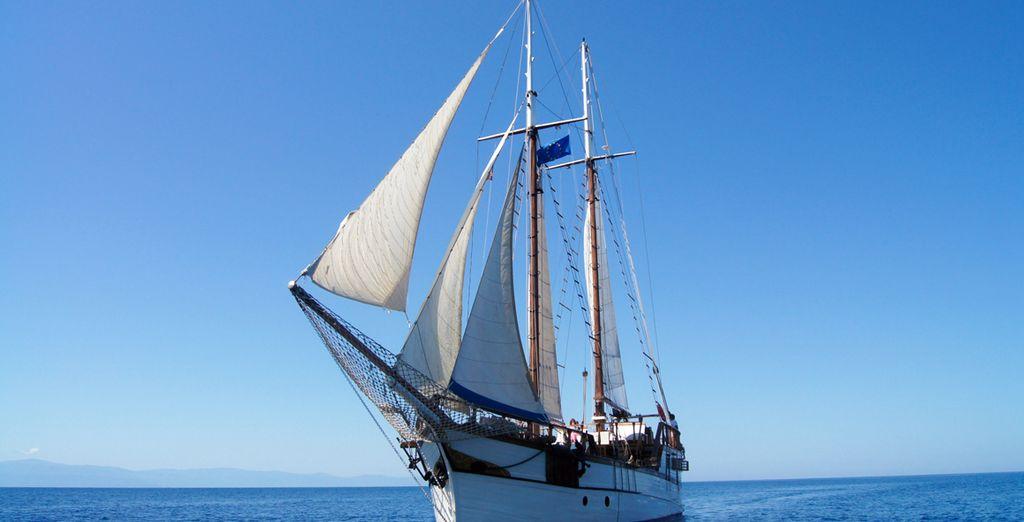 navigherete tra le acque cristalline del Mediterraneo