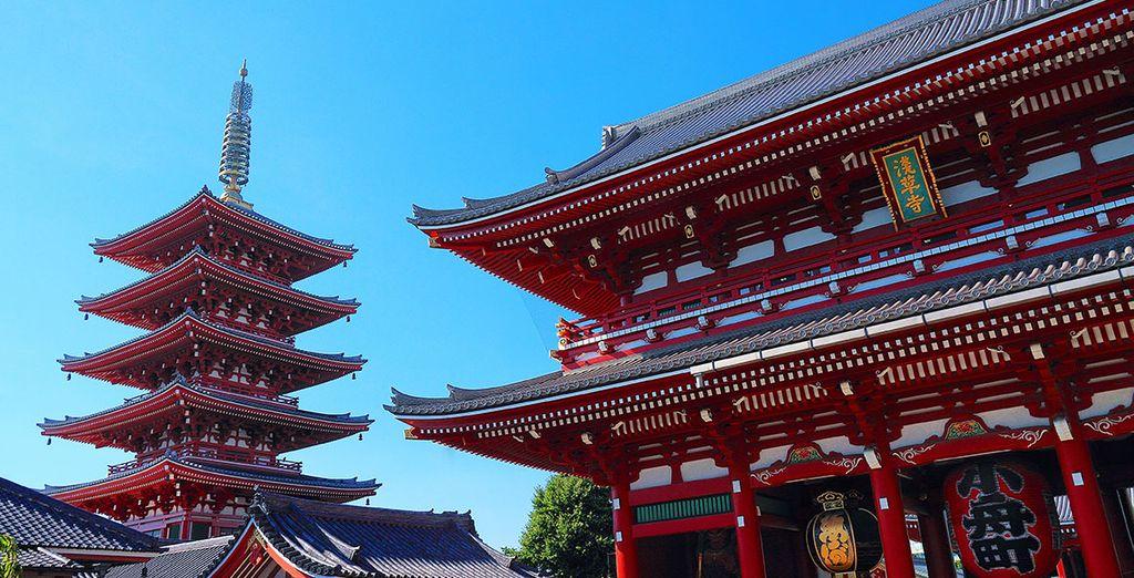A Tokyo visiterete il Tempio Asakusa