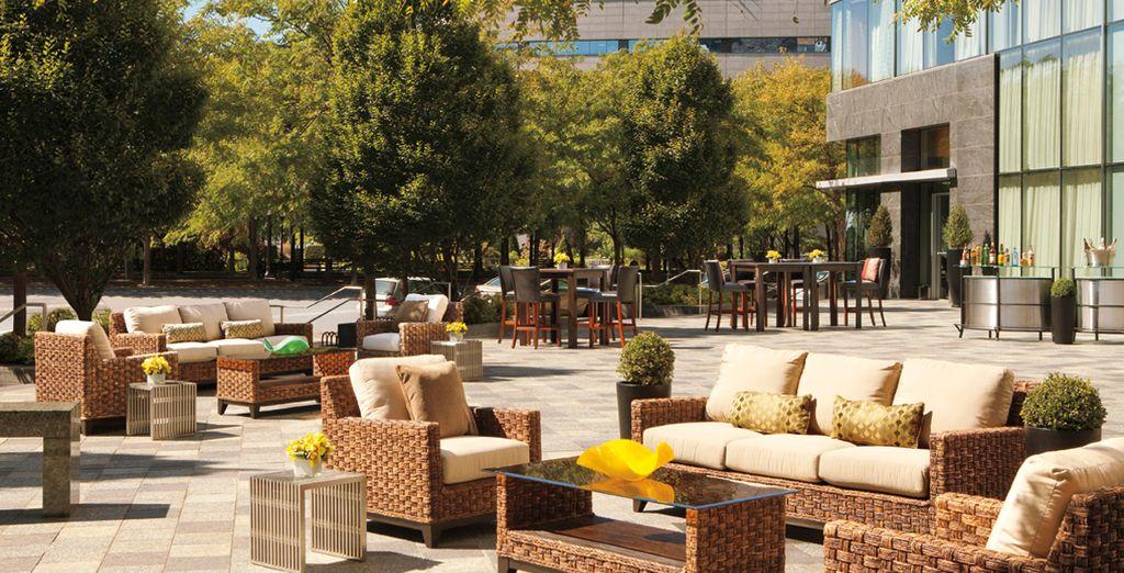 Alloggiate nel lussuoso Ritz-Carlton Battery Park Hotel 5*