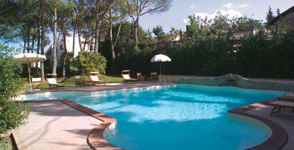 Rilassatevi nella splendida piscina
