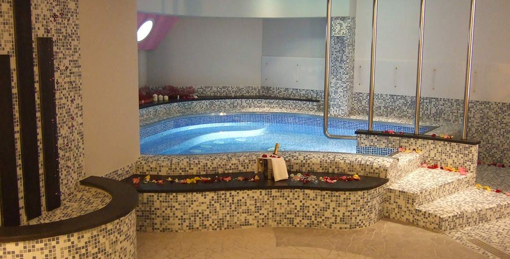 Tu's Hotel 4*