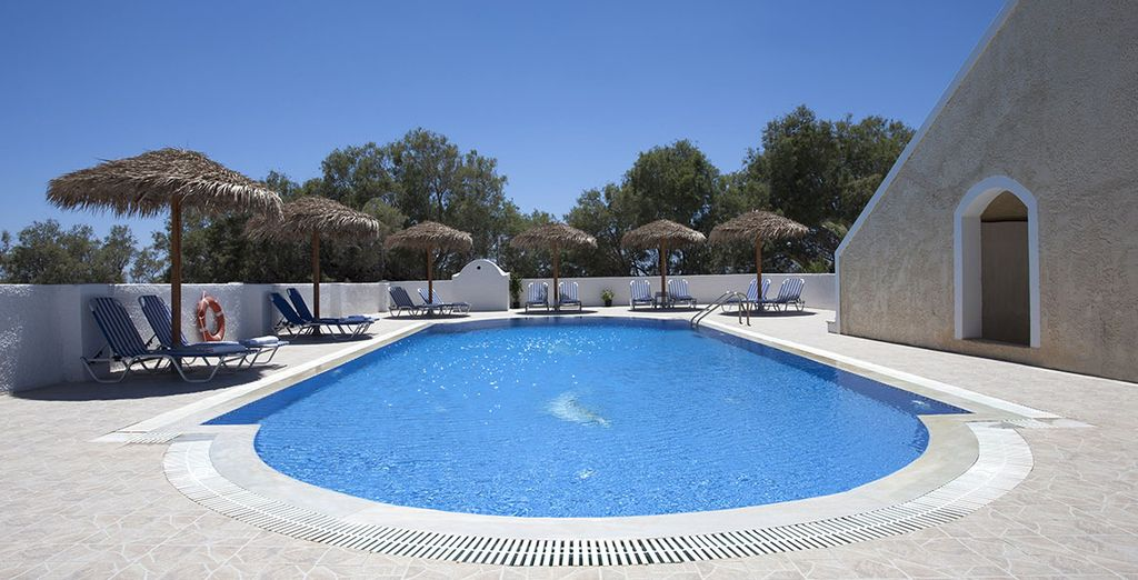 La piscina è perfetta per godervi il sole