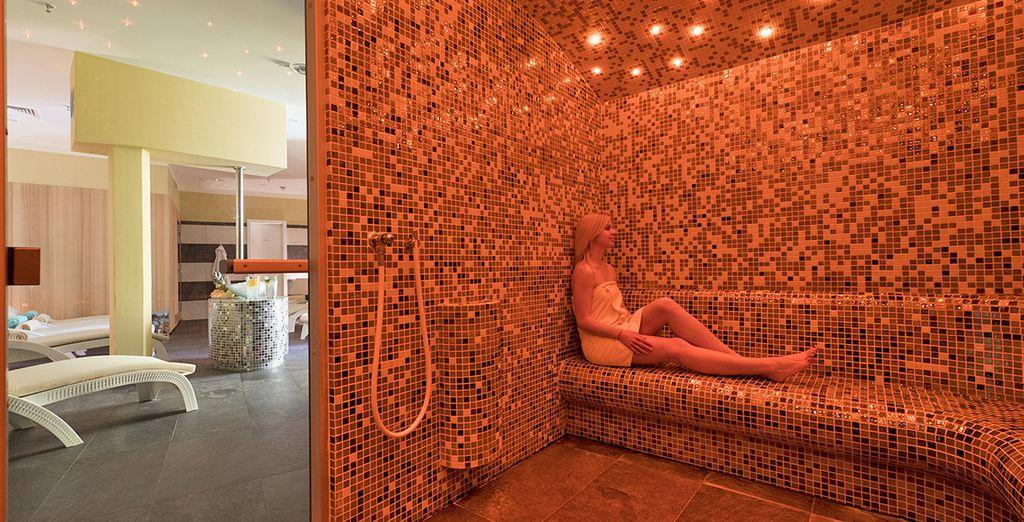 con sauna turca e finlandese, sala fitness,e varie sale per massaggi e trattamenti estetici.