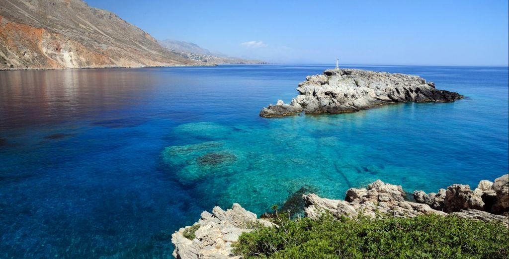 E tuffatevi nelle acque cristalline di Creta