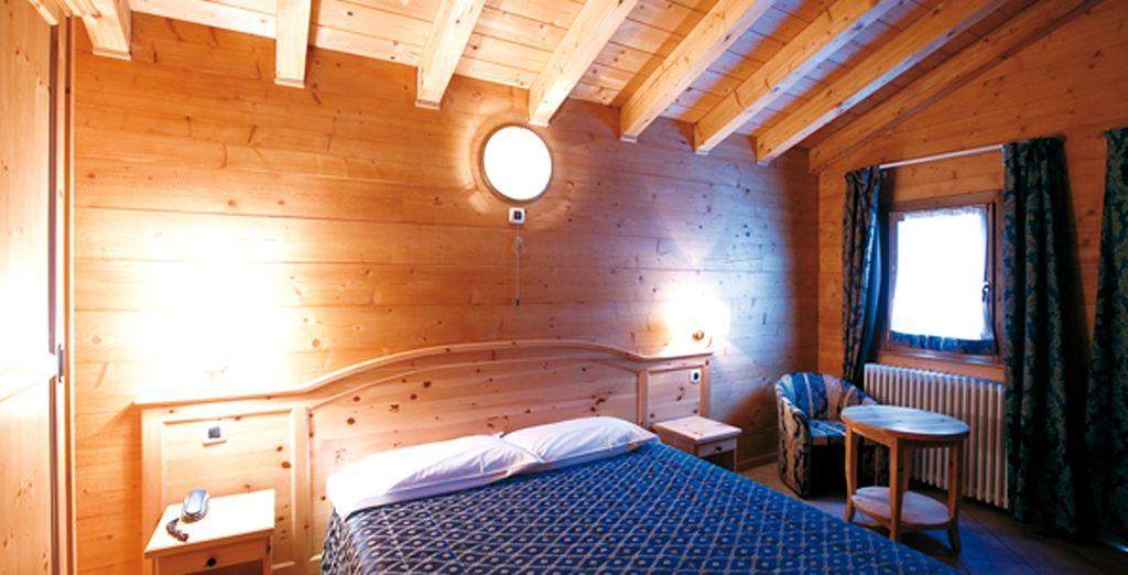 La vostra camera arredata nel tipico stile di montagna