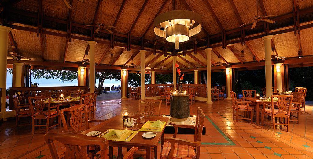 o al Maakana Restaurant con una bellissima vista oceano