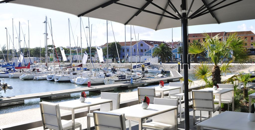Al vostro rientro degusterete un buon bicchiere di vino di fronte al porto