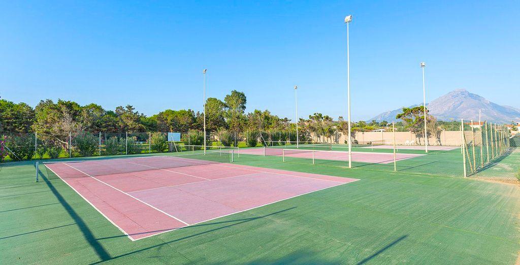 Divertitevi con una partita a tennis