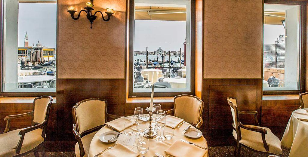 Durante la colazione potrete godere di una vista mozzafiato sul Canal Grande