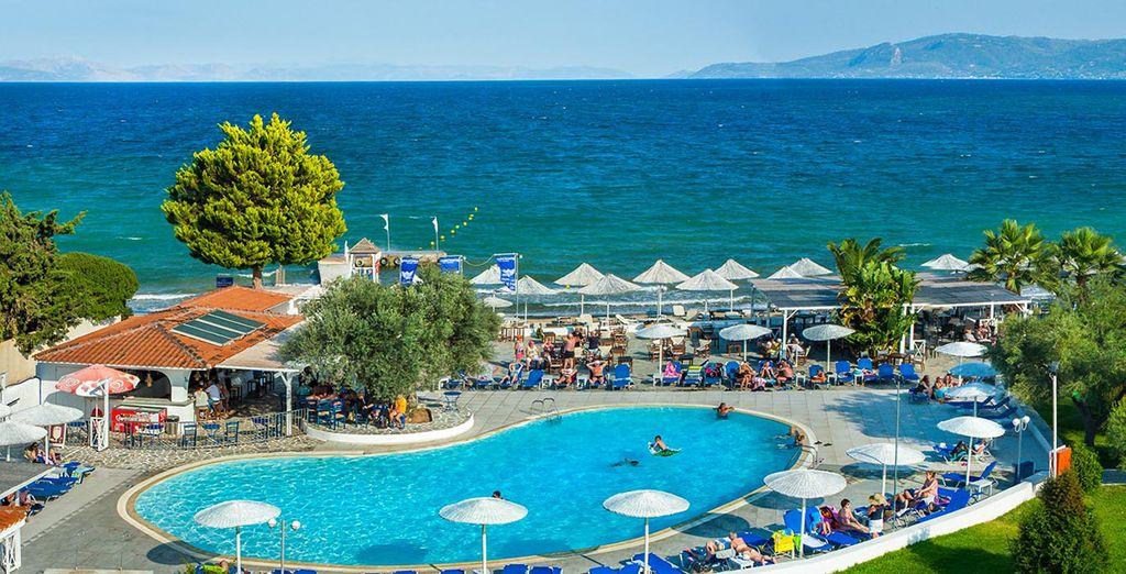 Ad accogliervi c'è il Grand Bleu Beach Resort