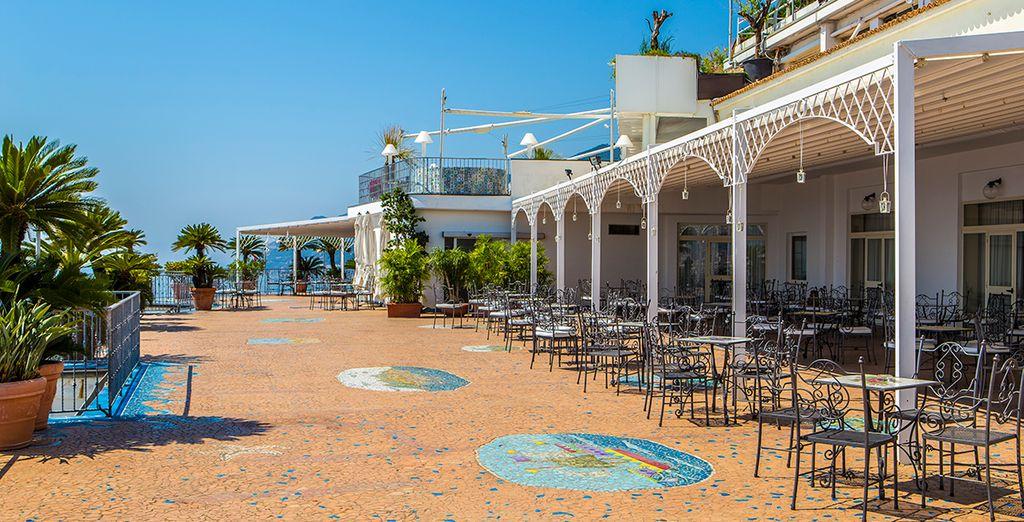 Lloyd's Baia Hotel 4* a Salerno