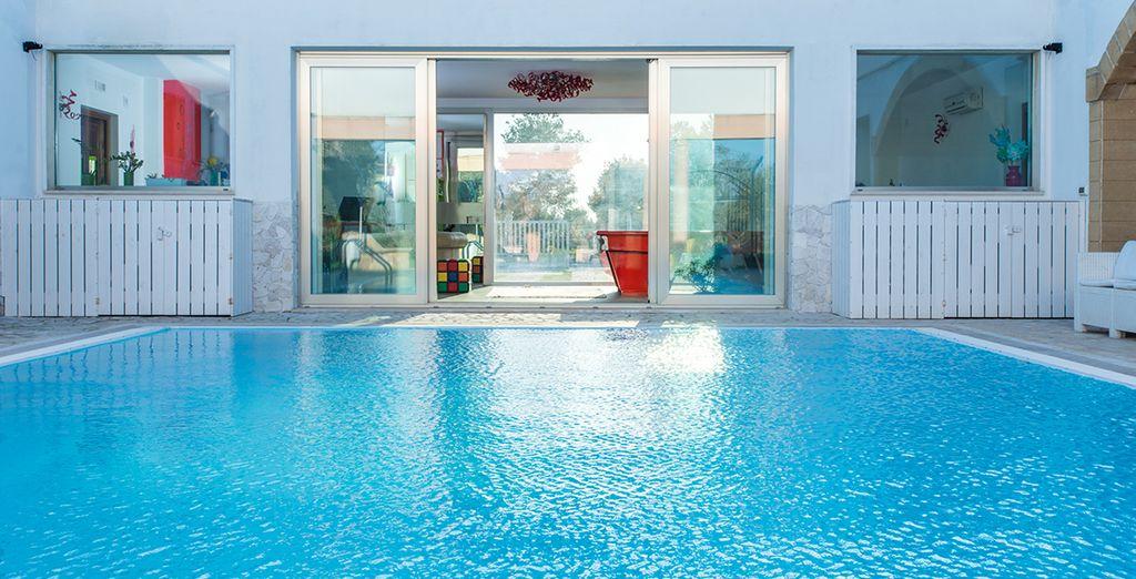 Le acque fresche della piscina saranno il vostro break quotidiano preferito
