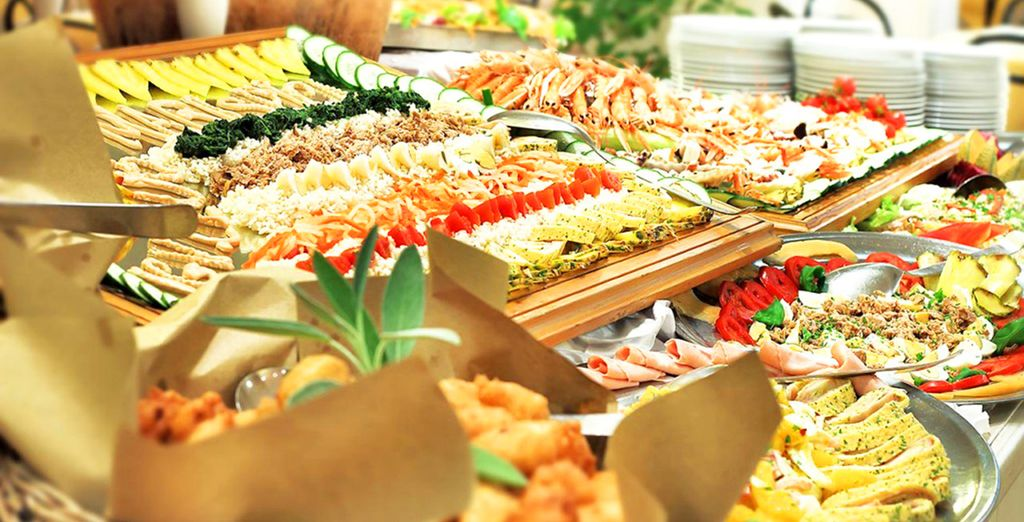un ricco buffet vi aspetta