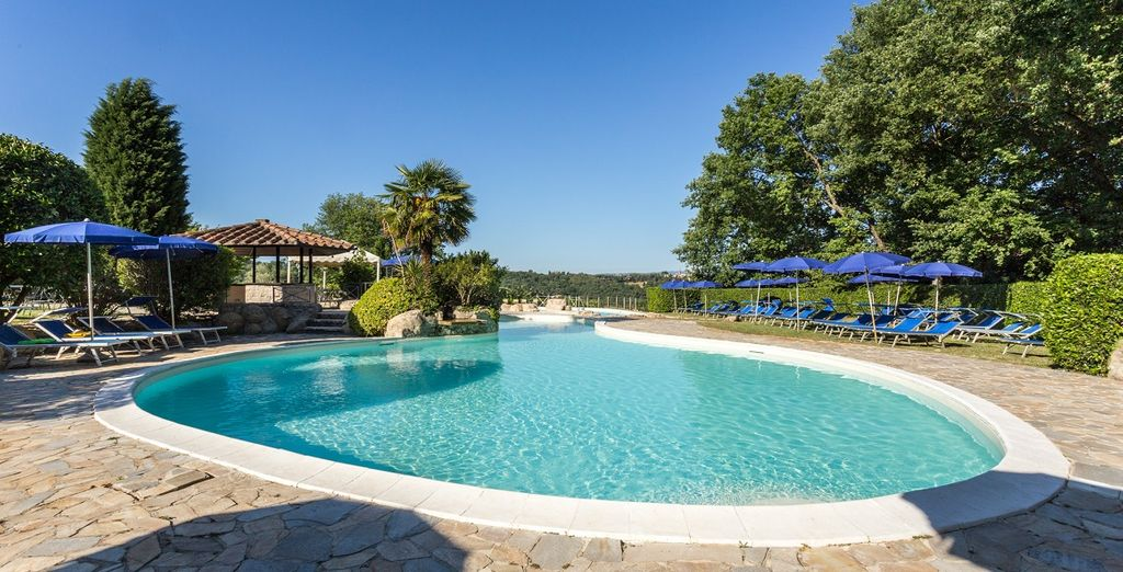 Concedetevi una nuotata rigenerante nella splendida piscina