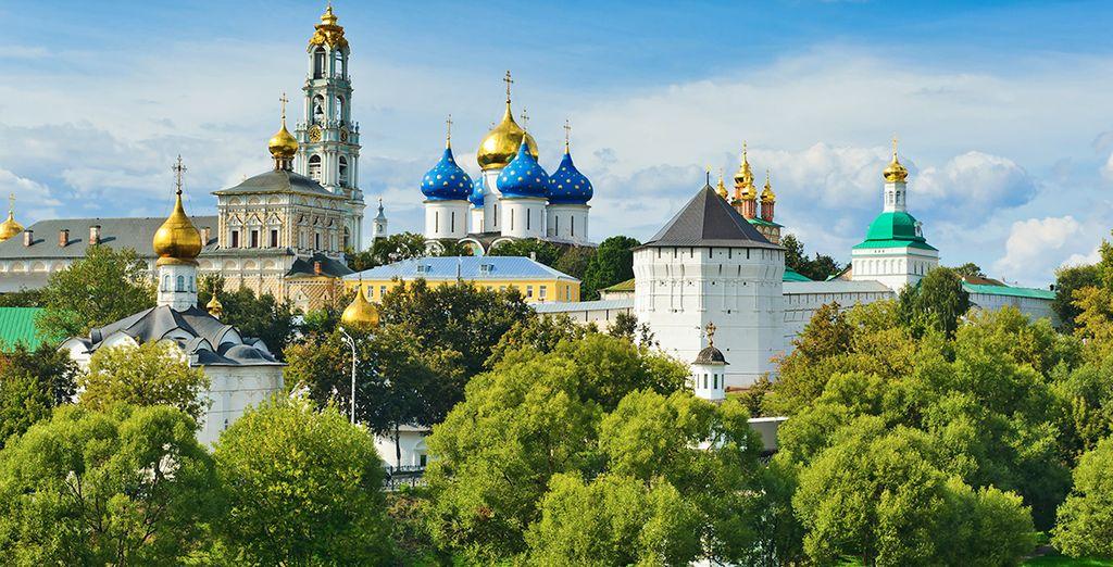 Potrete visitare in opzione (con supplemento) Serghiev Possad