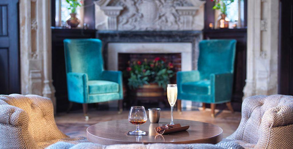 in un ambiente elegante e raffinato dal fascino irresistibile