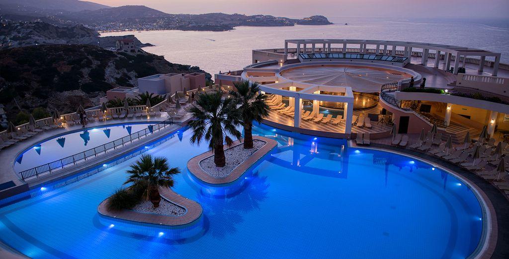 partite per un soggiorno da favola all'Athina Palace Hotel