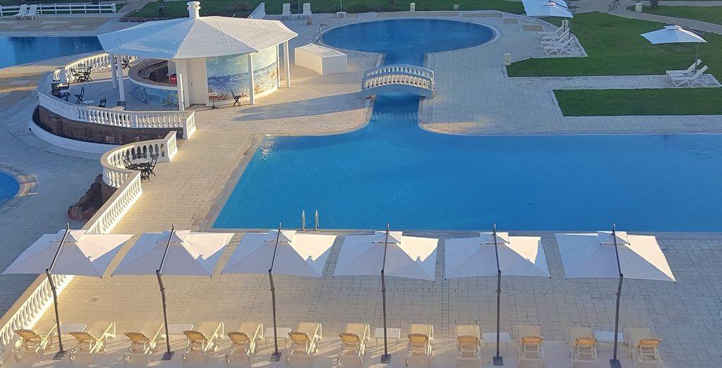 Potrete fare un tuffo in una delle quattro piscine